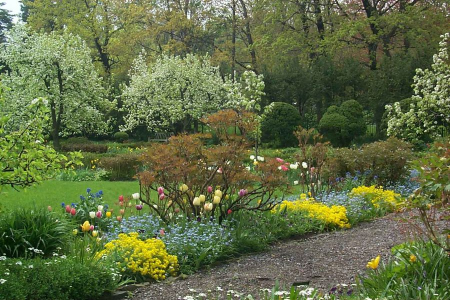 """Hidden Treasures: A Selection of Historic Houses and Gardens in the Greater Rochester Region"" 1"
