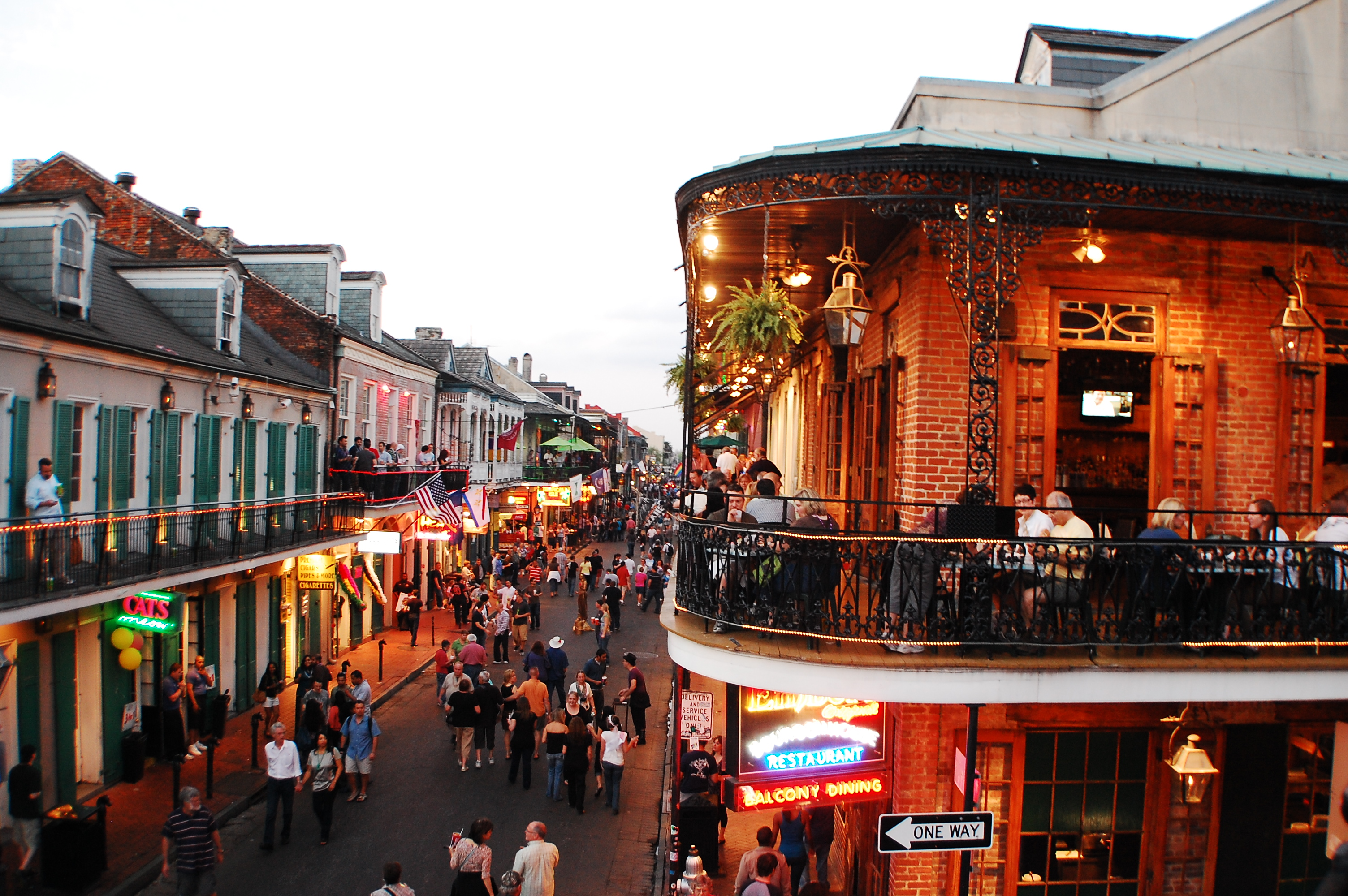 Travel Tour: An Insider's Guide to New Orleans 1